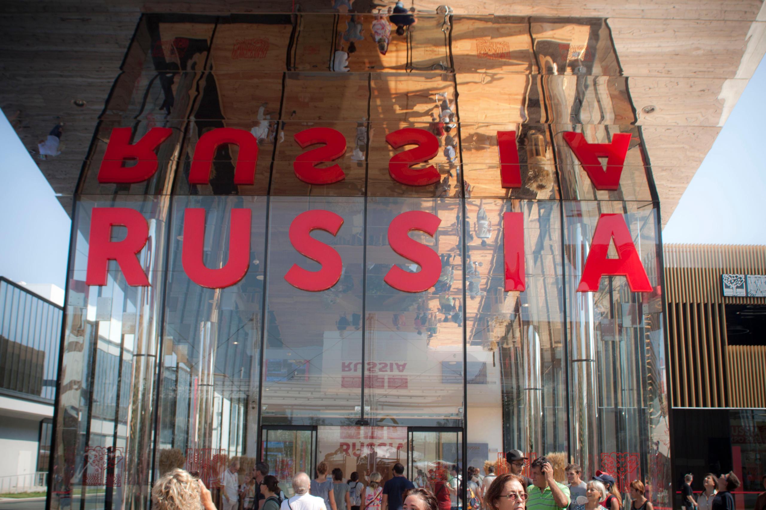 padiglione russo cinesi che comprano